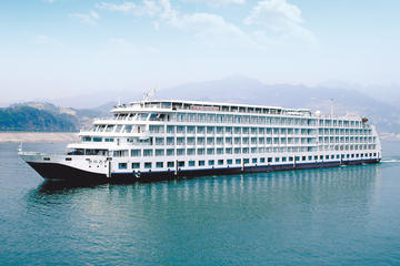 4-Day Century Sky Yangtze River Luxury Cruise Tour from Chongqing to Yichang