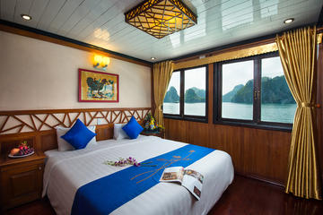 2-Day Halong Luxury Cruise with Transfer and Kayaking