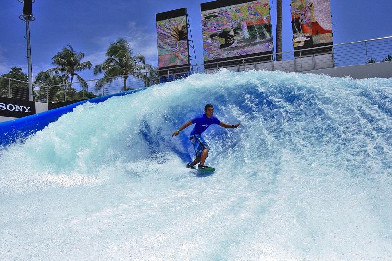 Singapore Surfing