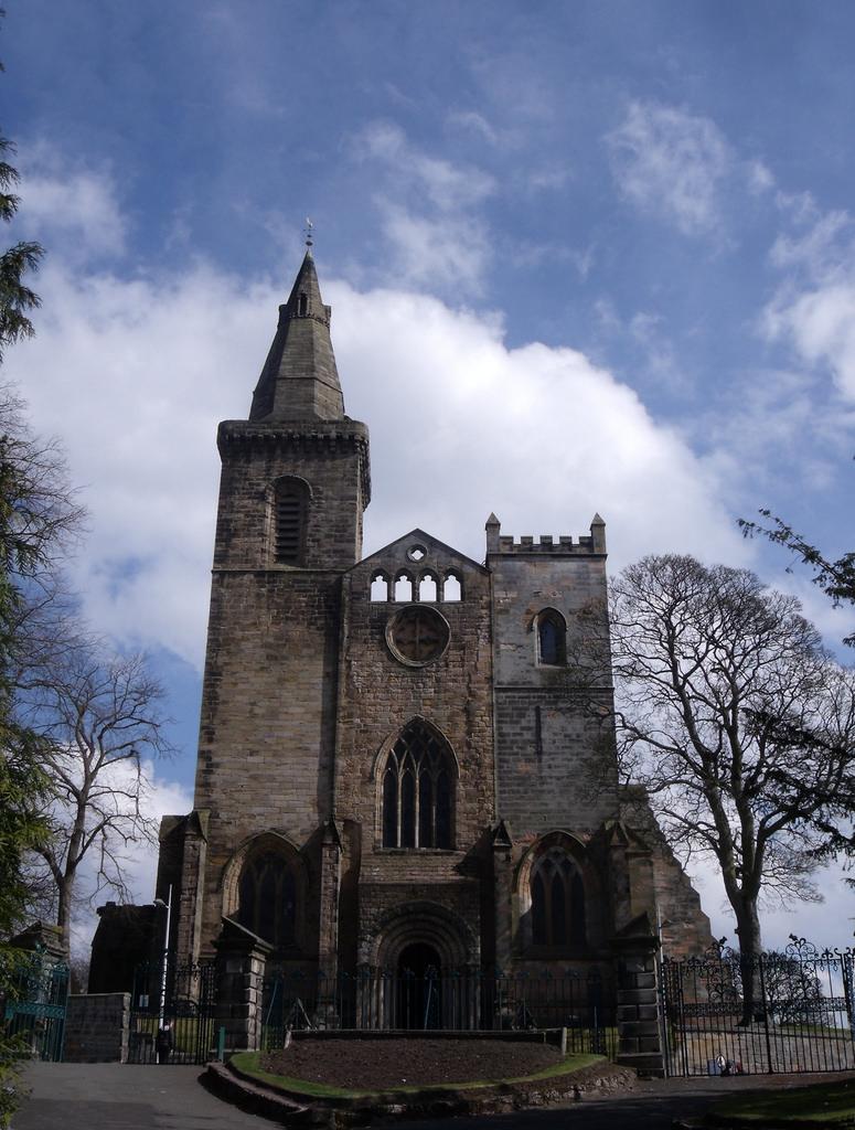 Dunfermline Scotland Palace