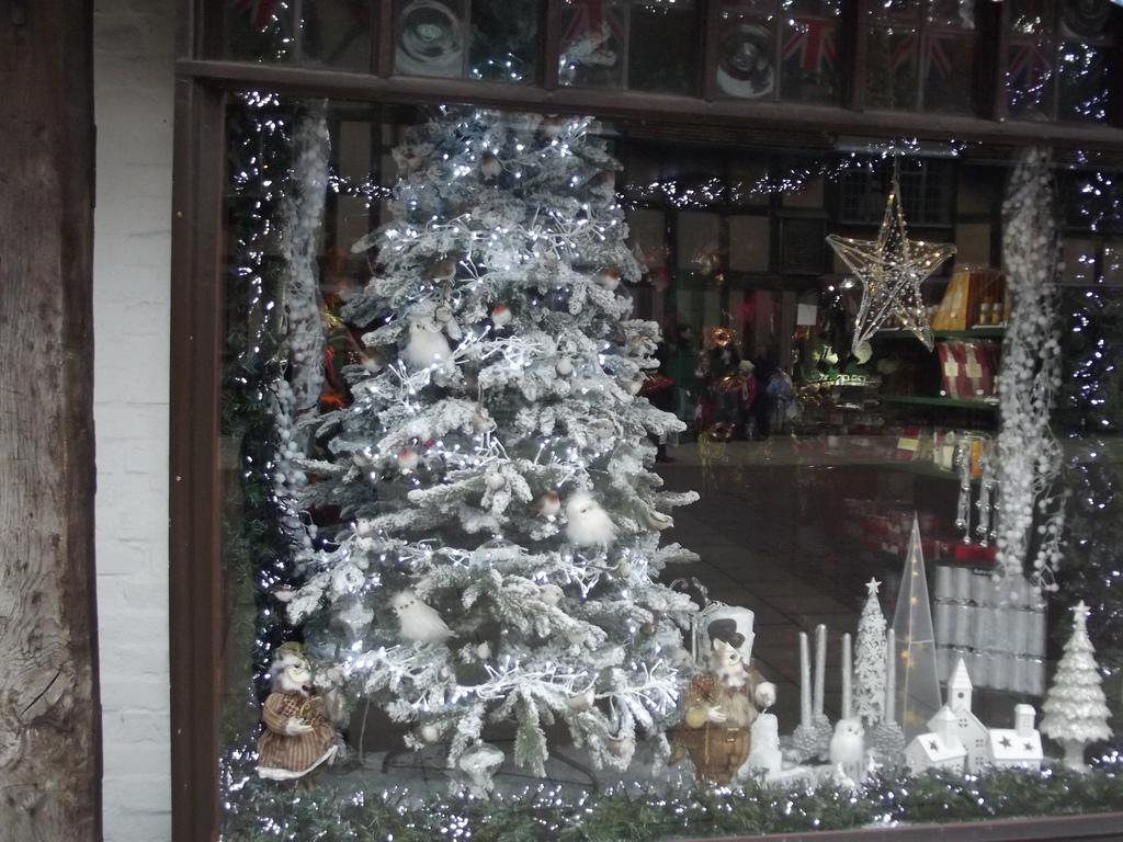 Stratford-Upon-Avon united kingdom Shopping