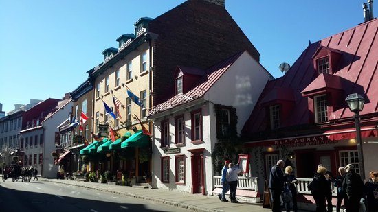 Quebec Bus Tours
