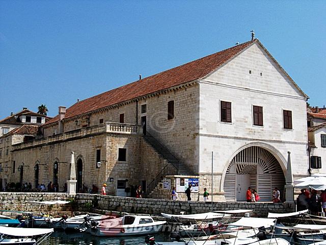 Croatia Theatres