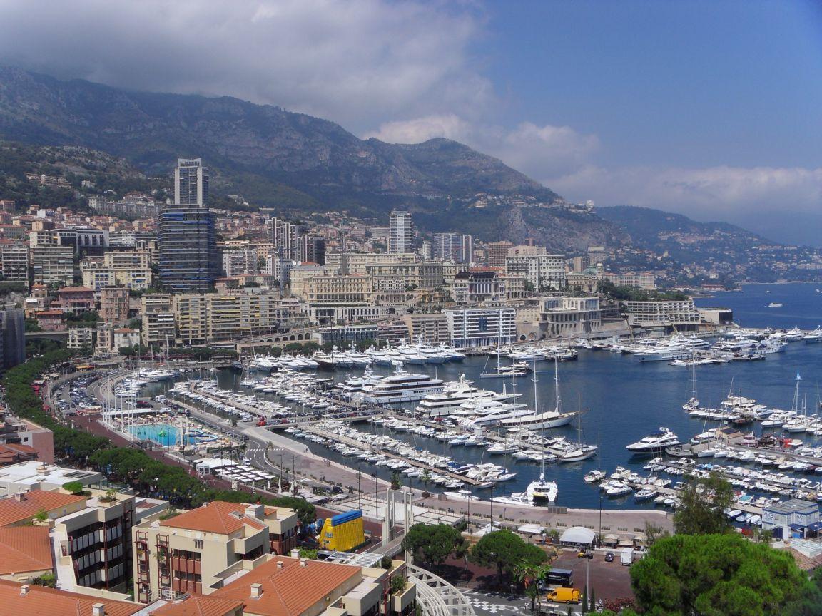 Monaco Swimming