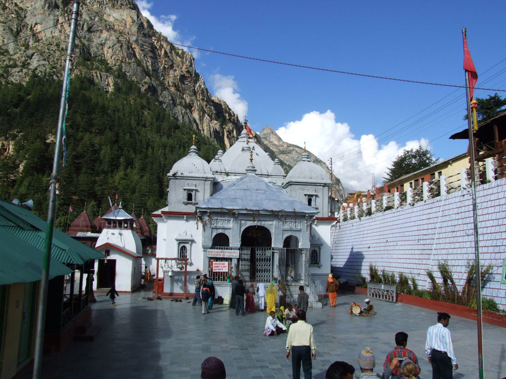 Gangotri India Bus Tours
